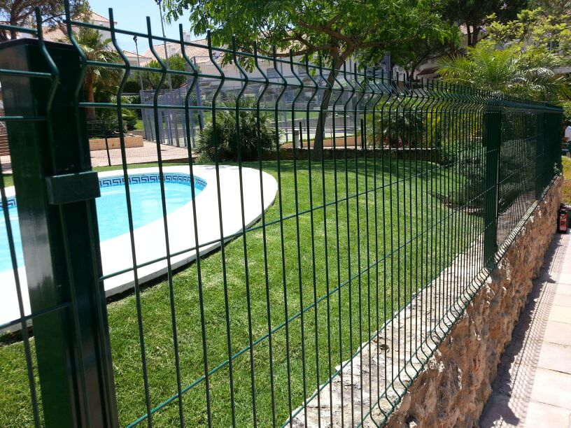 Cerramientos met licos huelva siempreverde jardiner a - Cerramientos de parcelas ...